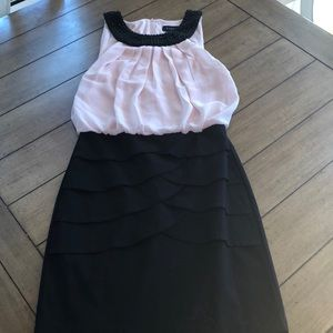 Dresses & Skirts - Light pink beaded collar mini dress!